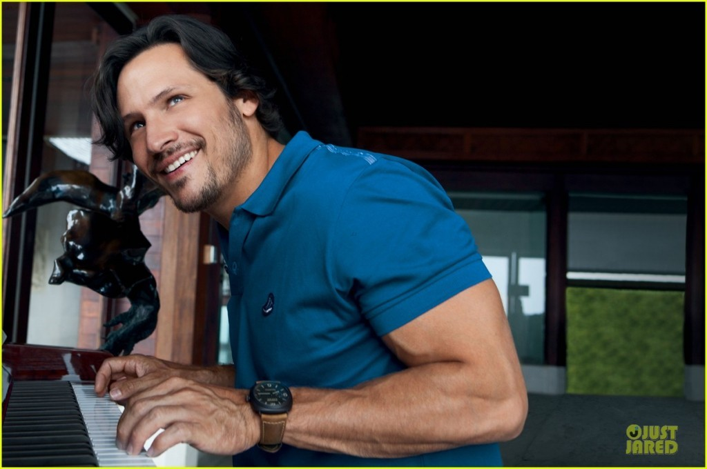 nick-wechsler-covers-prestige-indonesia-august-2013-04