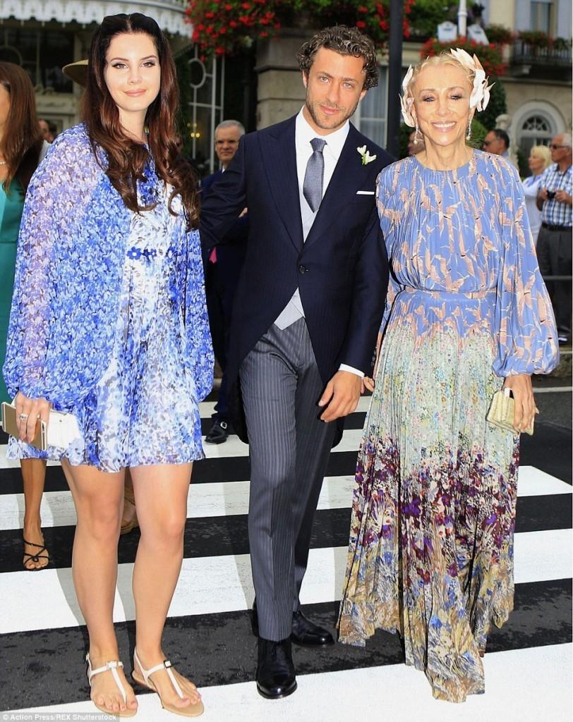 Lana Del Rey, iubitul ei Francesco Carrozzini, si Franca Sozzani, editor-in-chief  Vogue Italia